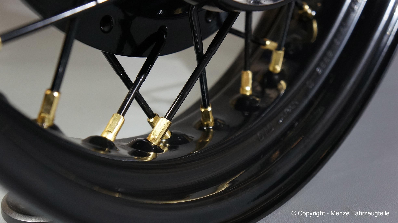 Motorrad Speichenrad pulverbeschichten und Nippel blank