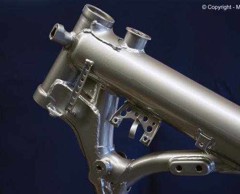 Rahmen in Silver-Chromo pulverbeschichten