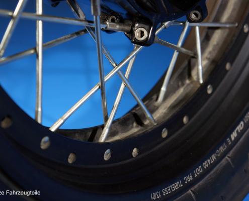 Yamaha XT1200Z Speichenfelge zentrieren