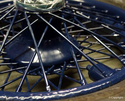 Automobil Speichenrad restaurieren und pulverbeschichten