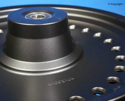 HD Guss-Scheibenrad in feinstruktur pulverbeschichten
