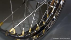 Speichenrad mit CWC-Chromfelge und Messing-Speichennippel