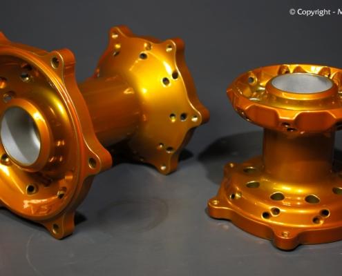 Motorrad Radnaben in Candy Orange pulverbeschichten