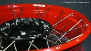 Kreuzspeichenfelge BMW GS in rot pulverbeschichten