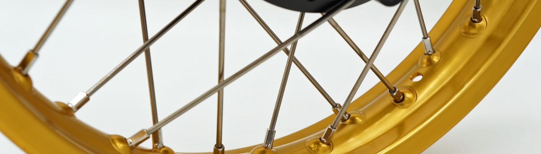 Speichenrad mit gold eloxierter Sanremo Felge