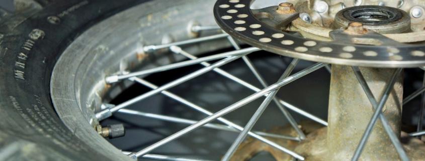 Zinkspeichen für Motorrad Speichenräder